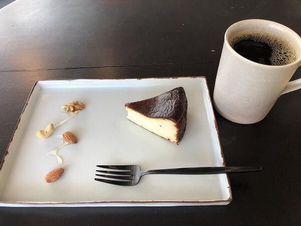 御器所のカフェ木金土